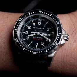 Часы наручные Marathon Large Bilingual Diver's Automatic with Day & Date