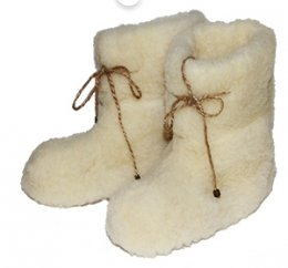Домашние валенки из овечьей шерсти белые